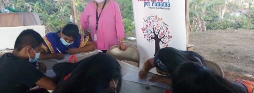 Más de1,200 mujeres han aprendido a leer y escribir