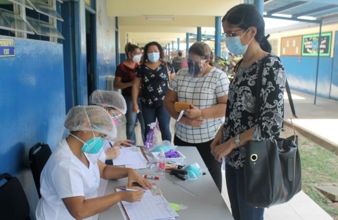 397 docentes y administrativos de la provincia de Herrera y Los Santos fueron vacunados