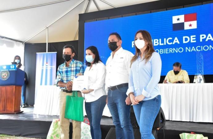 Apoyo logístico social llega a Coclé
