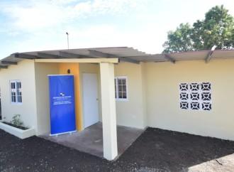 Paredes entrega cuatro viviendas del Plan Progreso y ocho mejoras habitacionales en San Miguelito
