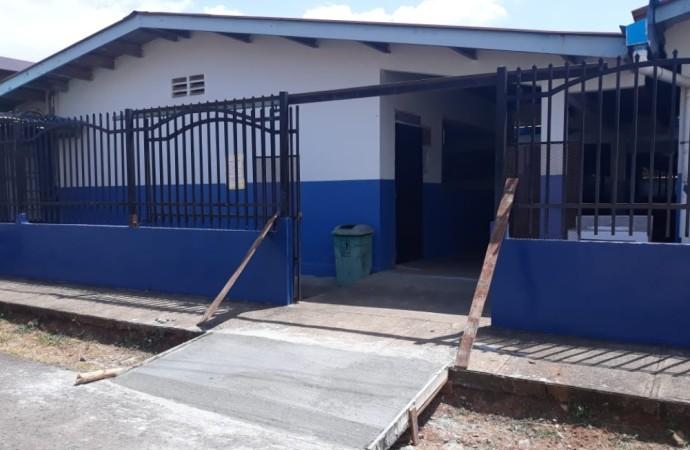 Miviot acondicionará 175 colegios para vacunación contra Covid-19