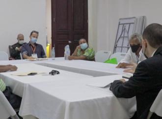 Conforman mesa técnica para regular actividad artesanal en el Casco Antiguo