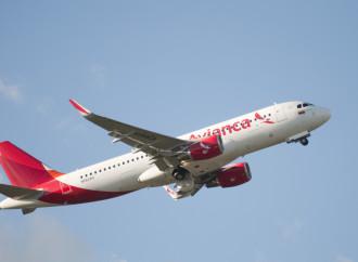 Avianca reanuda una docena de rutas internacionales y aumenta sillas en más de 30