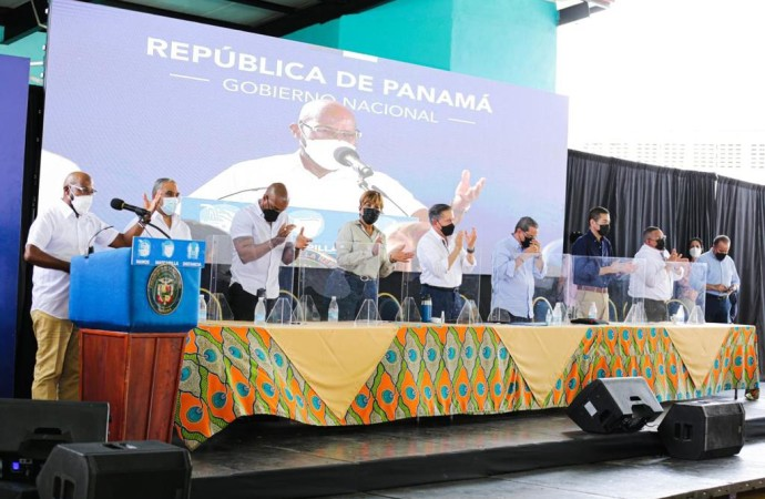 Presidente Cortizo anuncia reactivación de 74 proyectos y da inicio al programa «Recuperando Mi Barrio» en Colón