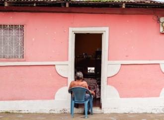 Latinoamericanos se alejan de los medios tradicionales para informarse, redes sociales ganan terreno