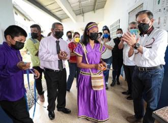 Presidente entrega nuevos centros escolares y anuncia vacunación por barrido en circuito 12-3, de la comarca Ngäbe Buglé