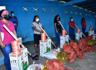 MIDES entrega insumos avícolas y agrícolas a 1,926 familias para que realicen proyectos de emprendimientos
