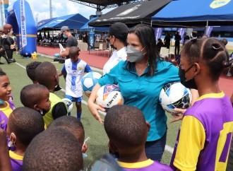 Más de 1,500 niños de Colón combatirán la violencia con juegos de fútbol