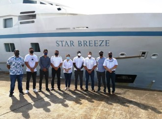 Buque Star Breeze al mando de un Panameño, inaugura la temporada de cruceros en Panamá 2021 – 2022