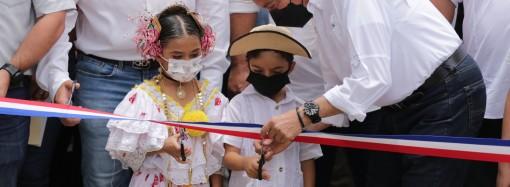 Presidente Cortizo Cohen entrega obras y beneficios por B/.27.2 millones en Los Santos