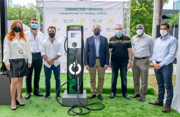 Arcos Dorados instalará 16 estaciones de carga Evergo para promover la movilidad eléctrica