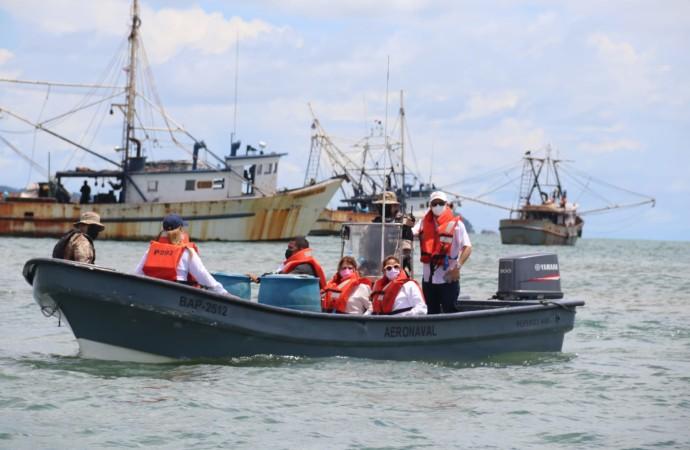 Finaliza segunda veda del camarón, 102 barcos zarpan desde el Puerto de Vacamonte