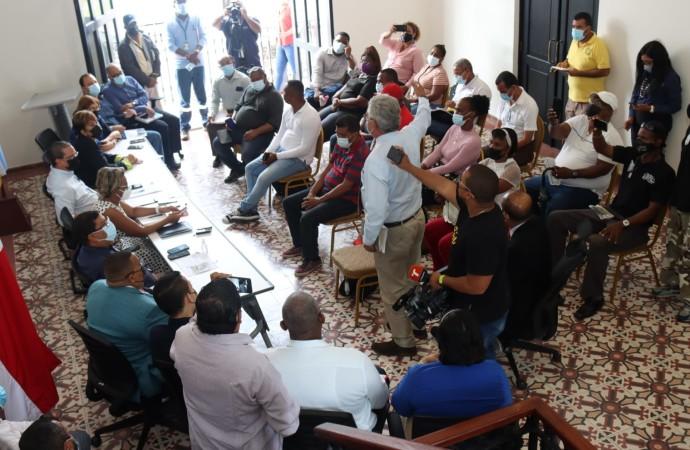 Gobierno presenta avances de 11 proyectos importantes para Colón