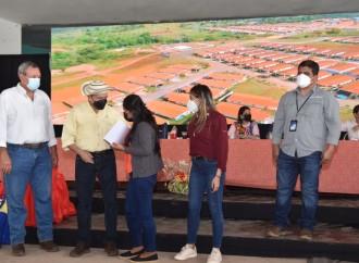 Gobierno entrega viviendas a familias que vivían en vulnerabilidad en Veraguas