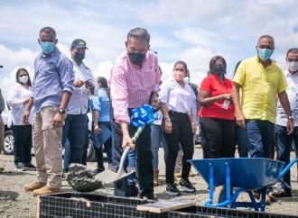 Gobierno iniciaconstrucción de carretera y entrega tanque de agua en Panamá Norte