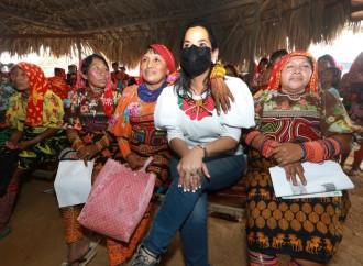 Ministra del Mides lanza proyecto de granjas avícolas y agrícolas en la Comarca Kuna de Madugandí